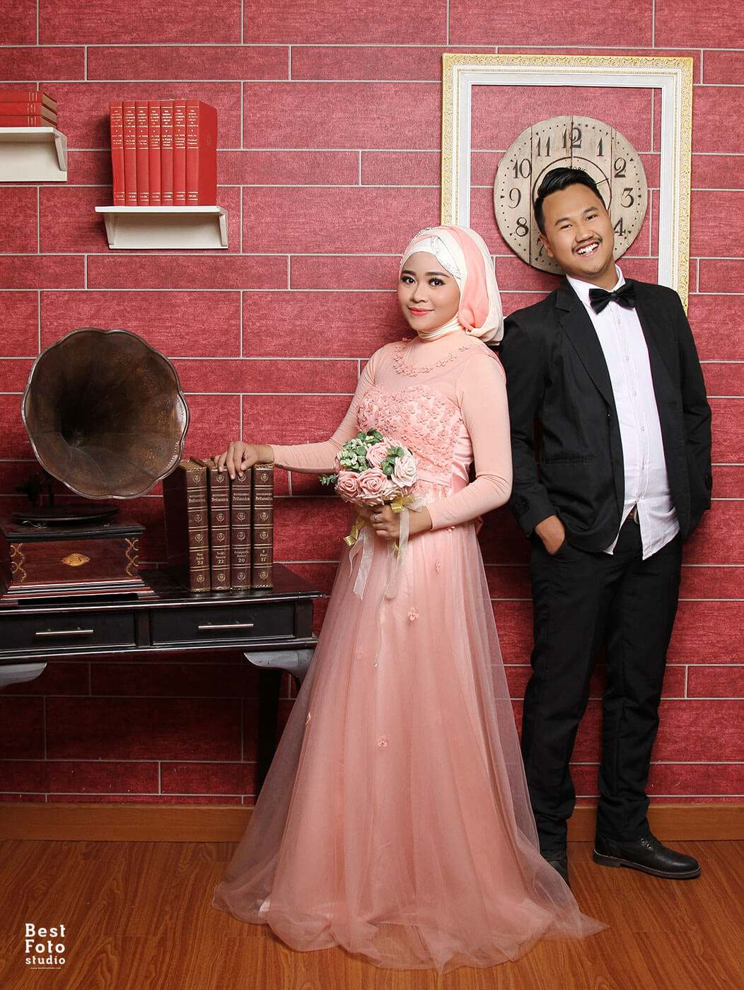 Romantis Indoor Prewedding for Puput and Fadli by BEST FOTO STUDIO 001